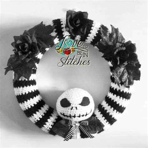 skeleton halloween wreath crochet