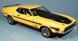 Modellauto Ford Mustang : ford mustang 1971 mach i fastback gelb autoart modellauto ~ Jslefanu.com Haus und Dekorationen