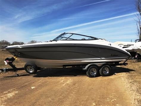 Yamaha Boat Motor Dealers Wisconsin by Yamaha 242 Limited E Series 2017 New Boat For Sale In
