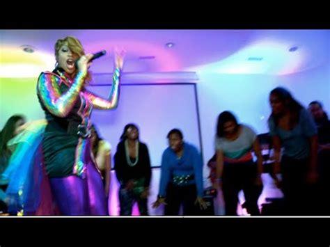 Chawanya Hayes sings I Want it All Back by Tye Tribbett ...