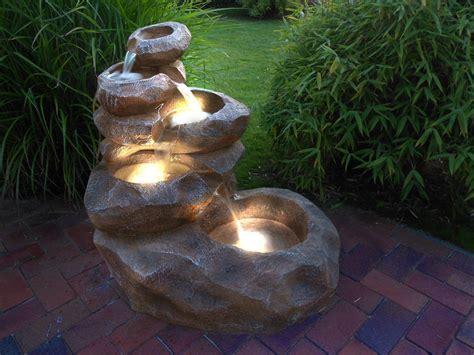 """Garten Springbrunnen   """"Wasserfall"""" mit Beleuchtung"""
