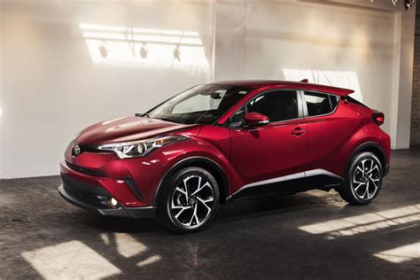 crossover toyota toyota aims for juke as c hr crossover debuts in la news