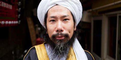 mantan tukang tato yakuza jadi imam masjid  jepang