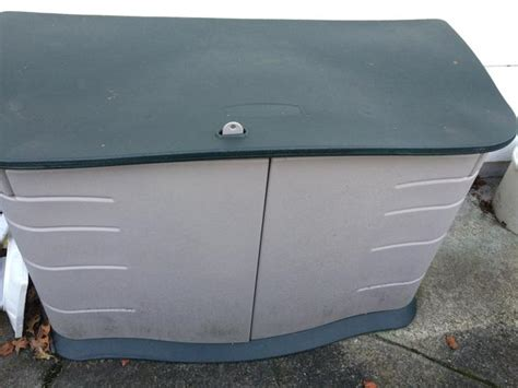 rubbermaid patio storage bins tree storage box rubbermaid jpg memes