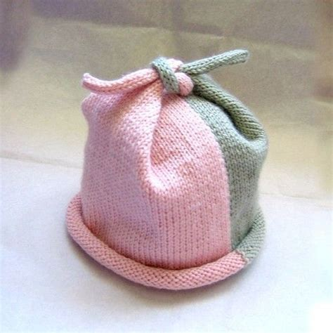 Top Knot Baby Hat Knit Pattern