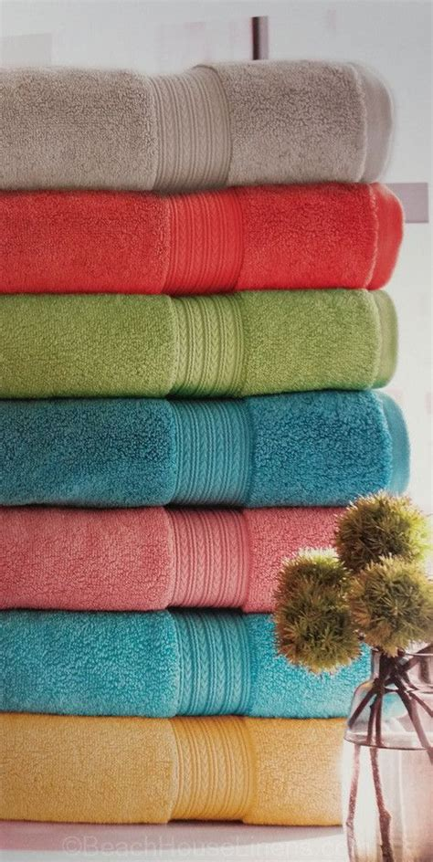 Bathroom Towel Colors by Best 25 Bathroom Colors Ideas On Small