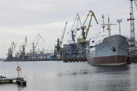 Latvijas ostās septiņos mēnešos pārkrauti par 4,3% vairāk ...