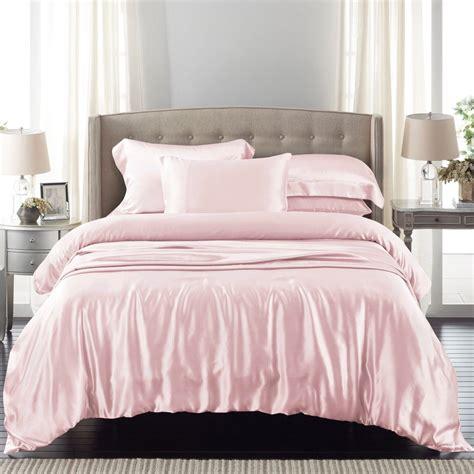 silk bedspreads quilts silk coverlets quilts silk bedspreads quilts silk bedding quilts pink gold silk light pink silk bed linen from the finest mulberry silk