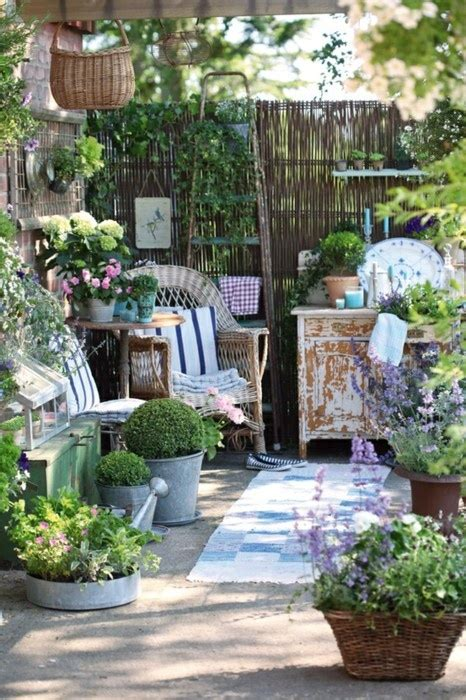 chic outdoor furniture painted shabby chic furniture top easy interior Shabby