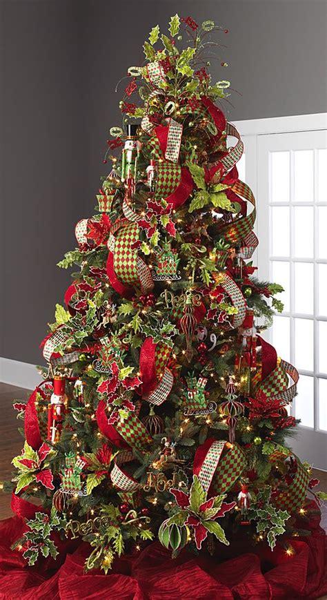 trends decorate christmas tree      organize