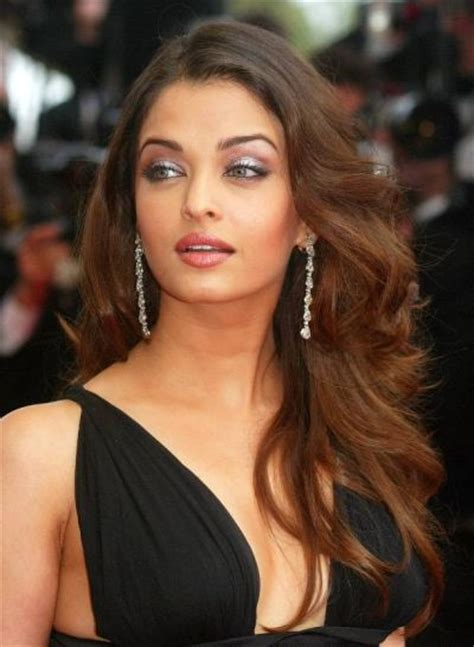 aishwarya rai bachchan long layered hairstyle prom