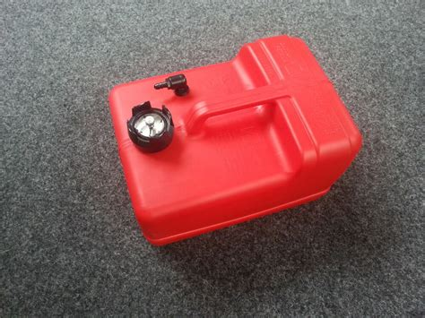 New 11.3l Plastic Fuel Tank With Gauge Petrol Outboard