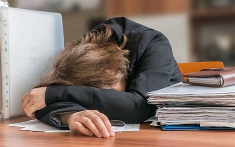 Have You Been Gaining Weight At Work? Here Are 5 Reasons ...