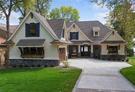 classic lake cottage home design home bunch interior design ideas