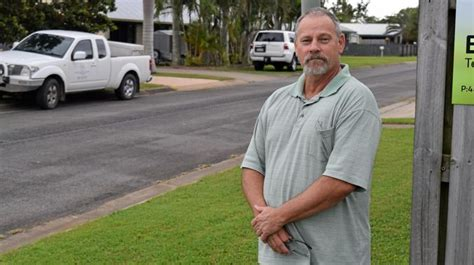 who to call when street light is out street lights out during spree mackay daily mercury
