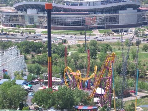 elitch gardens theme park big wheel and flower clock picture of elitch gardens