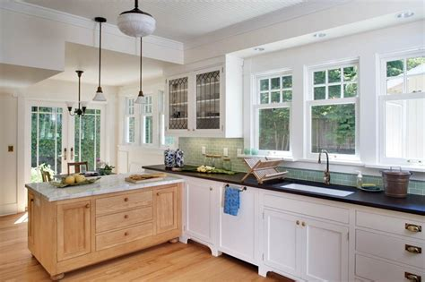 white craftsman kitchen cabinets delorme designs white craftsman style kitchens
