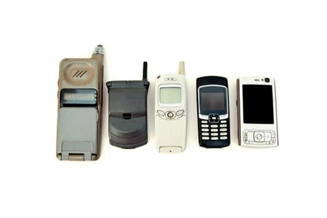 how did cell phones change communications in the early 1990s uses for cellphones thriftyfun