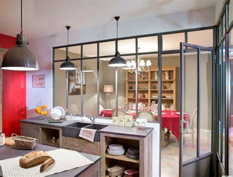 meuble bar separation cuisine cuisine verrière les secrets d 39 une cuisine de caractère