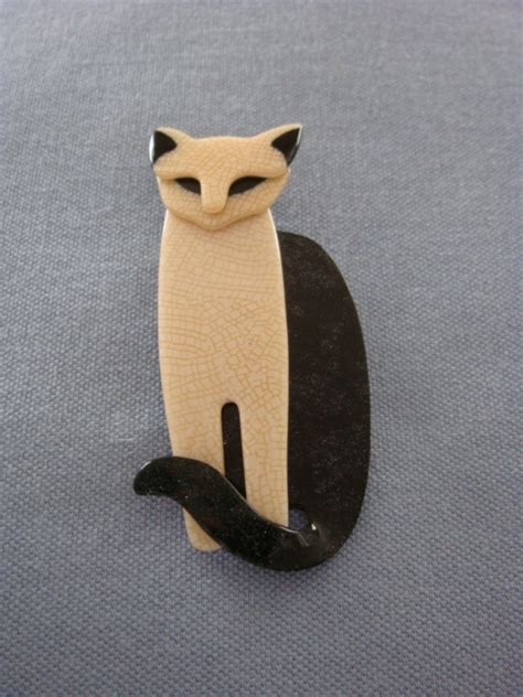 lea stein cat brooch stately egyptian cat brooch sold
