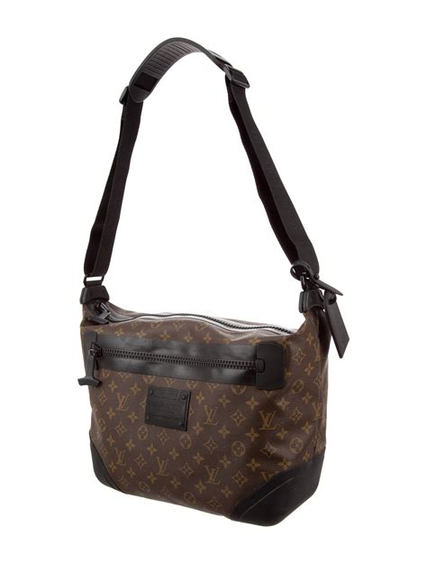 louis vuitton monogram waterproof voyage messenger bag