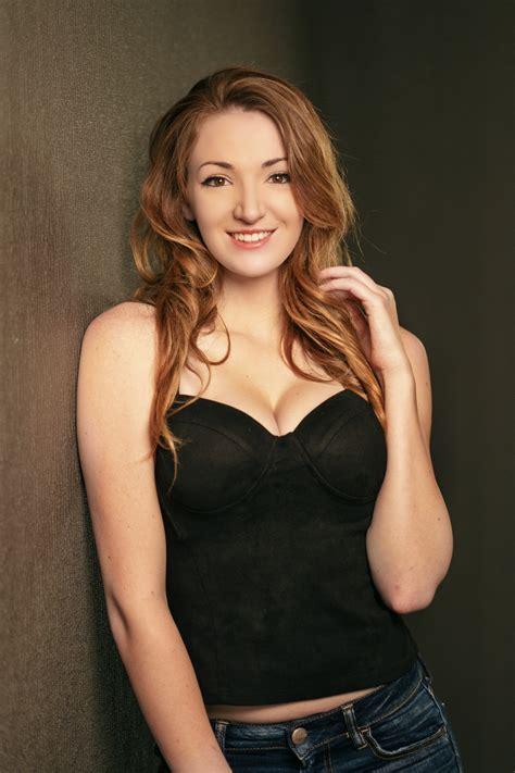 Women 20+ - Welcome to HMM Model Agency