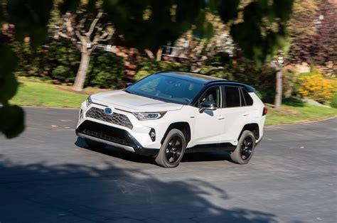 2019 _Toyota_RAV4_Hybrid_XSE_lf34actn - The Green Car Guy