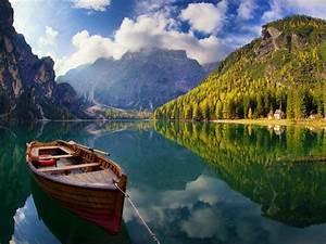 pragser wildsee or lake braies is a lake in the prags