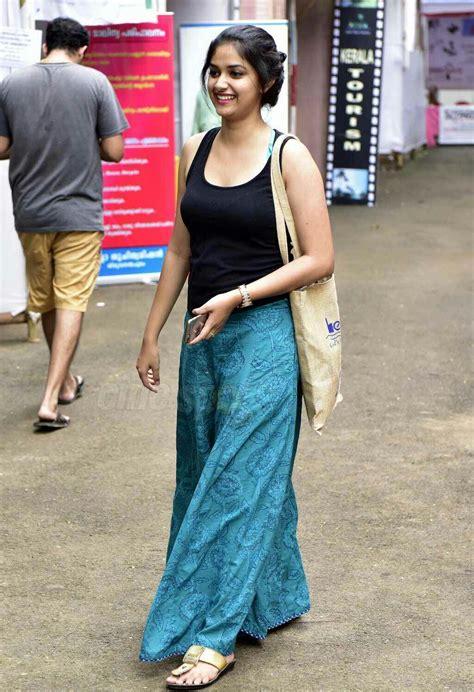actress keerthi suresh wallpapers keerthi suresh hot images in bikini wallpapers download