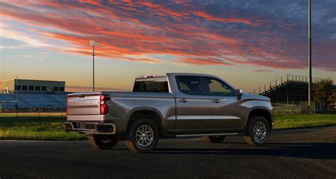 Chevrolet 2019 : 2019 Chevy Silverado Drops 450 Pounds For Its Debut In