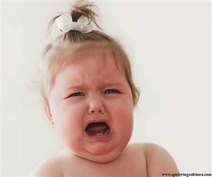 Photo De Bébé Fille : image b b fille qui pleure b b et d coration chambre ~ Melissatoandfro.com Idées de Décoration