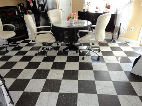 Retro Black & White Kitchen Floor   Vinyl Flooring