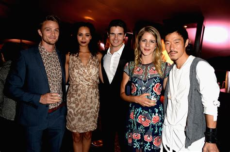 emily bett rickards and robbie amell robbie amell emily bett rickards photos photos zimbio