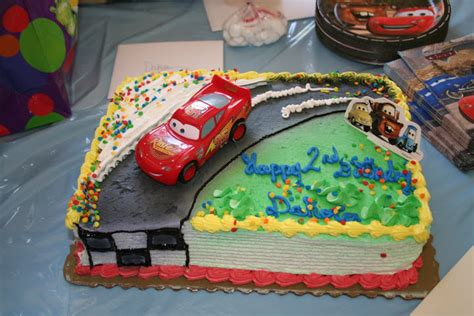 lightning mcqueen cakes decoration ideas