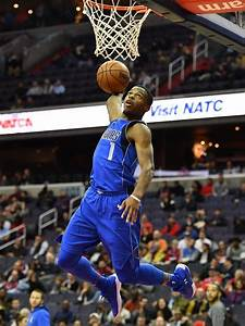 thread pistons blown out by mavs 110 93