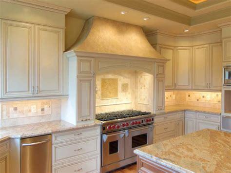 cottage kitchen furniture cottage style kitchen cabinets pictures options tips