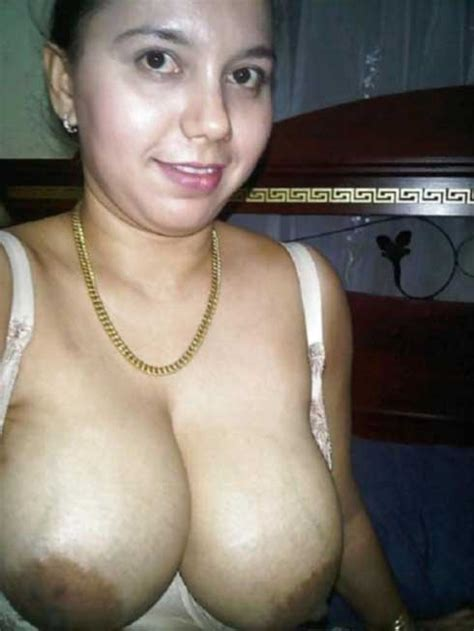 Indian Bhabhi Ke Boobs Ke Photo Indian Boobs Photo