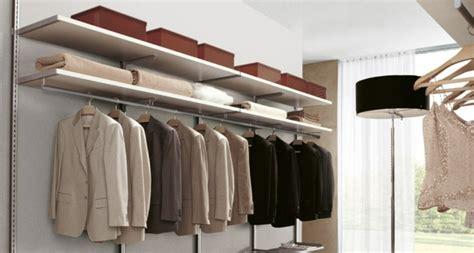 Kleiderschrank Einräumen Mit System by Den Kleiderschrank Organisieren Tipps F 252 R Perfektes