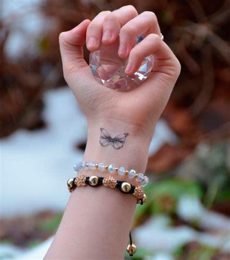 tatouage poignet femme  idees de petits motifs