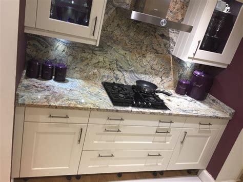 stori  display kitchen florence porcelain shaker