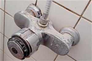 Was Hilft Gegen Schimmel : die fugen der dusche werden rot so beseitigen sie den schimmel ~ Udekor.club Haus und Dekorationen