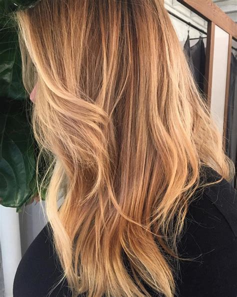 What Color To Dye Hair by How To Color Your Hair At Home Instyle