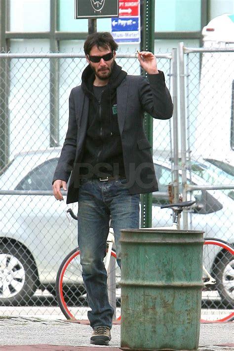 pictures  keanu reeves walking   york popsugar