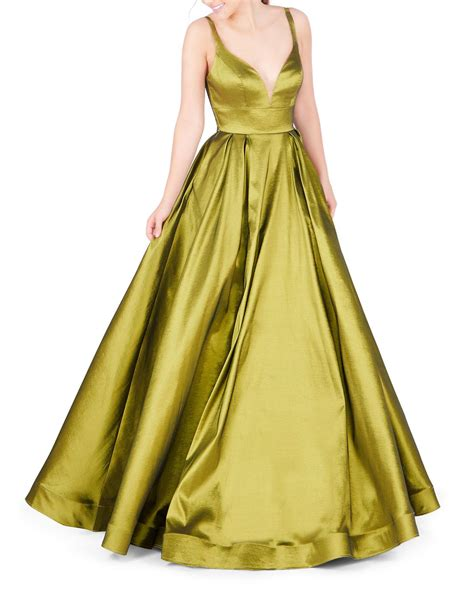 These visually stunning gowns will ensure you turn heads the moment you enter the room. Mac Duggal Synthetic V-neck Sleeveless Empire-waist Ball ...
