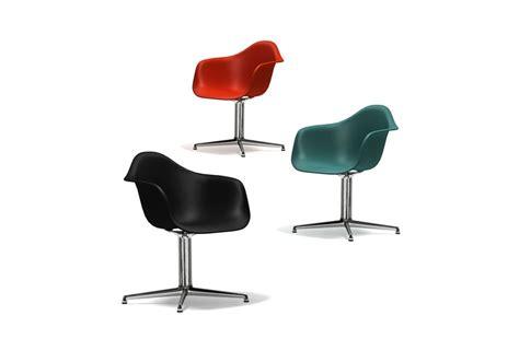 chaise longue plastique eames plastic armchair dal vitra milia shop