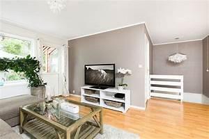 peinture salon grise 29 idees pour une atmosphere With salon parquet gris