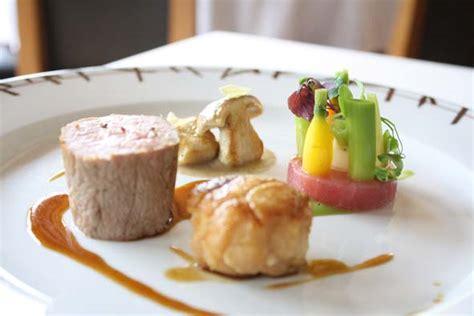 cuisiner le magret de canard filet et ris de veau dorés et jus savoir cuisiner fr