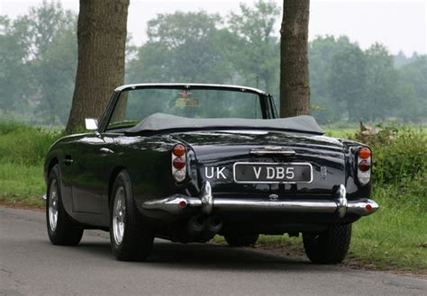 Aston Martin Db5 Wallpaper 2000 by Aston Martin Db5 Vantage Convertible 1963 1965 Wallpapers