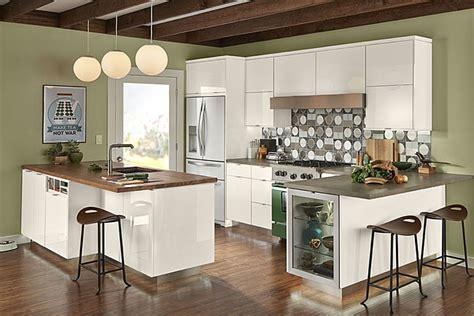 kraftmaid white kitchen cabinets high gloss foil kitchen in dove white kraftmaid 6726
