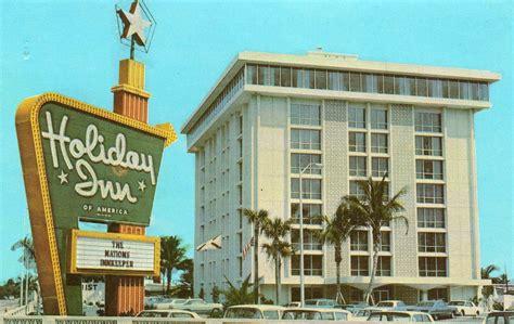 twenty humdrum holiday inn postcards   fifties